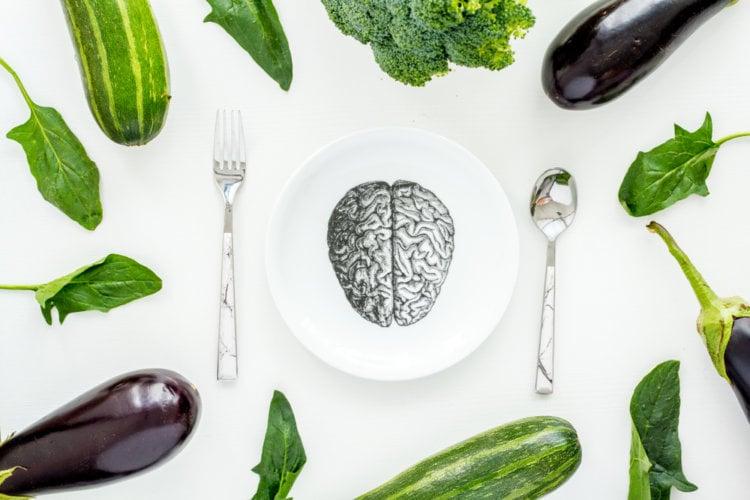 Несколько самых опасных по мнению ученых последствий вегетарианства