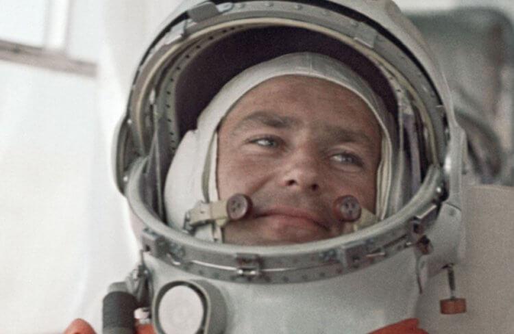 Космического туриста SpaceX тошнило во время полета. Что стало причиной?